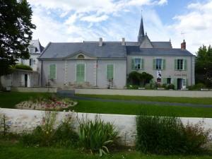 La mairie de Montrelais et son centre culturel. De belles expos d'art contemporain à découvrir !